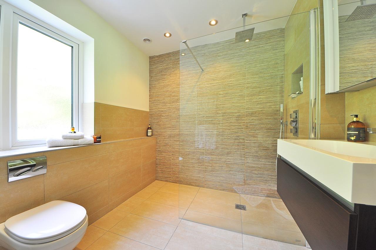 Bathroom in beige tile