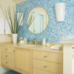bathroom in blue and brown-beige tile
