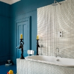 bathroom in blue and white