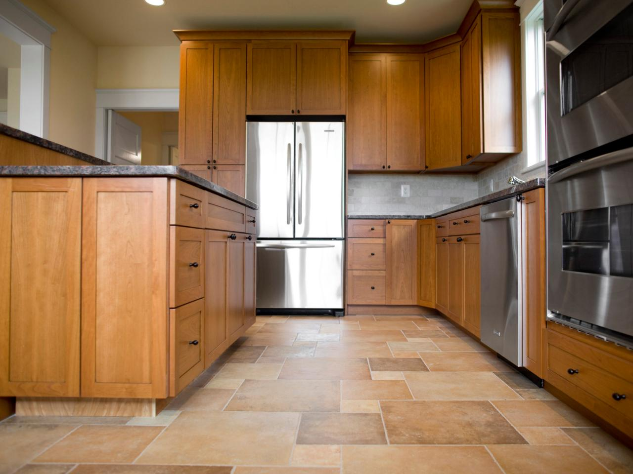 Tile kitchen flooring // sndimg.com